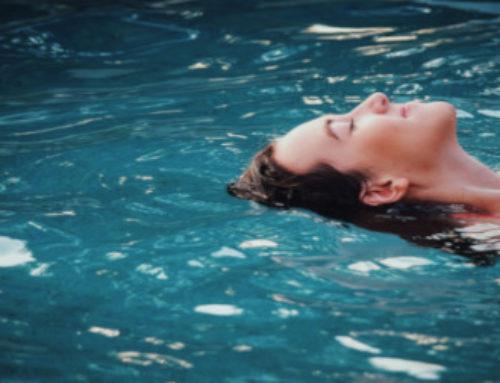 Découvrez les bienfaits de la sophrologie dans l'eau!